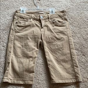 Vince size 25 knee length shorts in tan